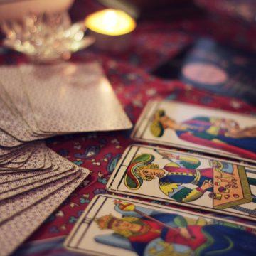 El horóscopo y el tarot: Nuestros aliados en los problemas de Amor